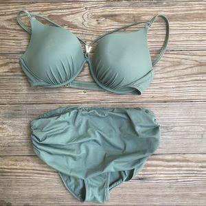 Venus bikini size D top, 6 bottom